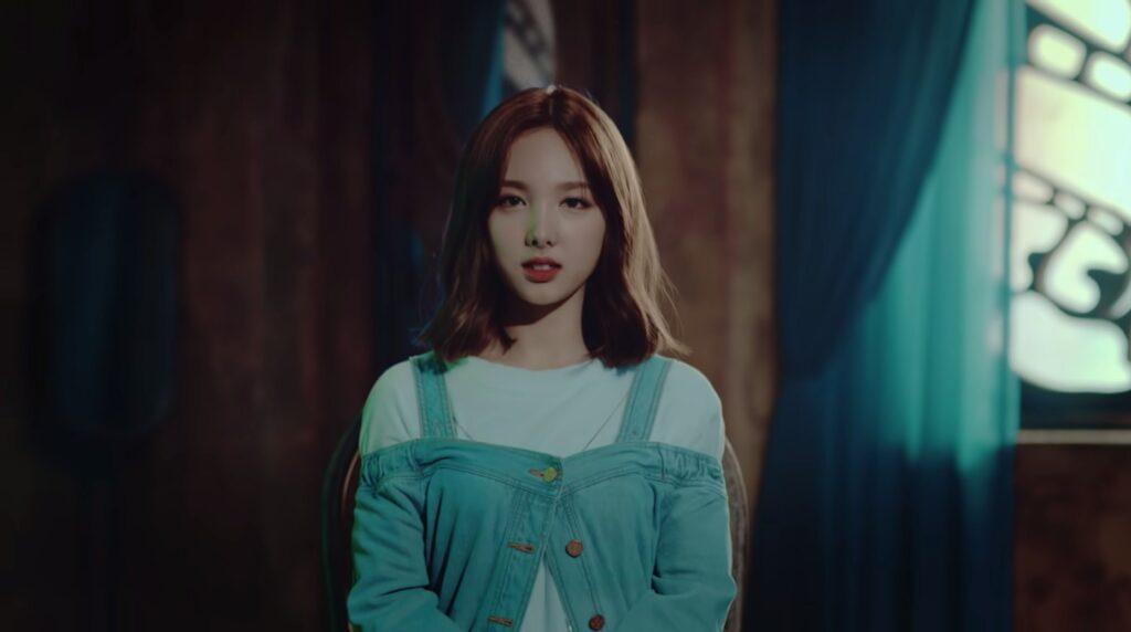 Twice Nayeon, TT